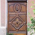 une belle porte à Caromb