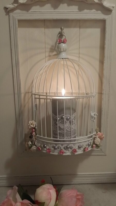 cage éclairée
