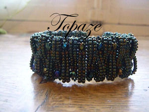 bracelet_layered_loops