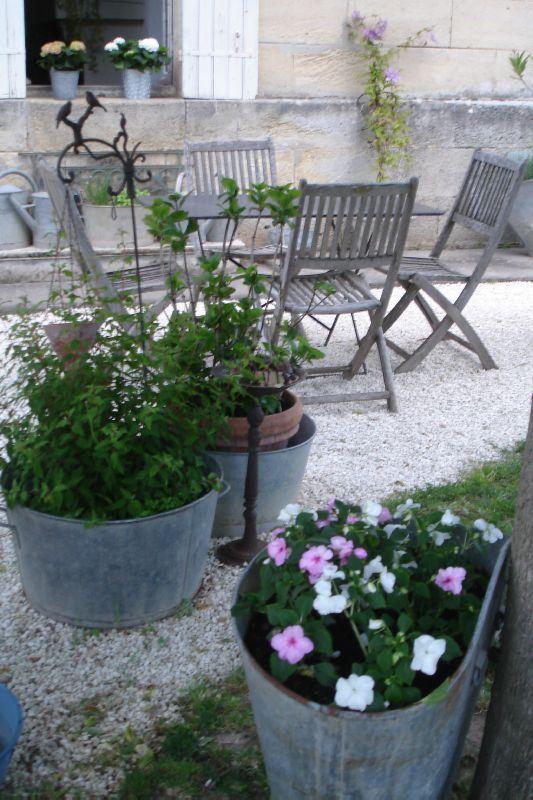 coin t rasse photo de maison jardin au coeur d 39 autrefois. Black Bedroom Furniture Sets. Home Design Ideas