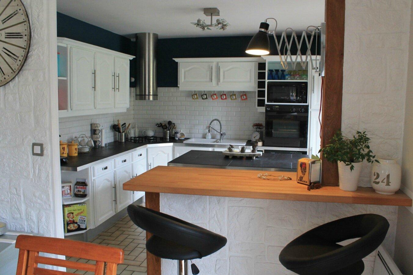 la cuisine avant apr s jules et oscar. Black Bedroom Furniture Sets. Home Design Ideas