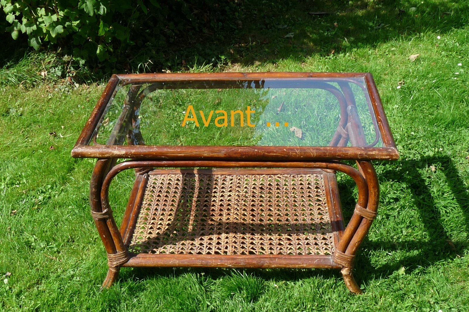 Pimp tes tables un rien une id e une bricole ma bricole - Customiser table en verre ...