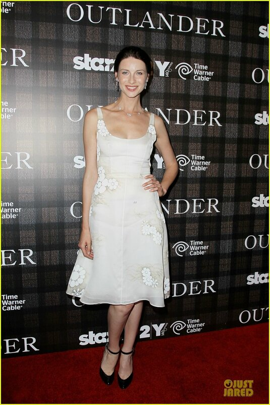 sam-heughan-caitriona-balfe-picture-perfect-at-outlander-screening-5