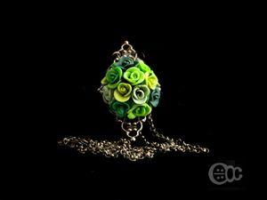 Saoutoir filigree roses camaïe vert