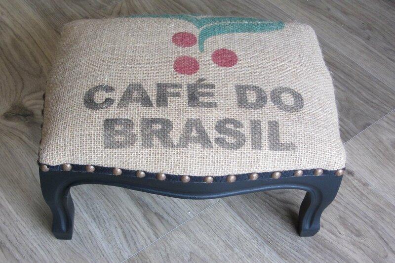 sac de toile café sur fauteuil