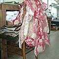 Couture de tissus anciens.