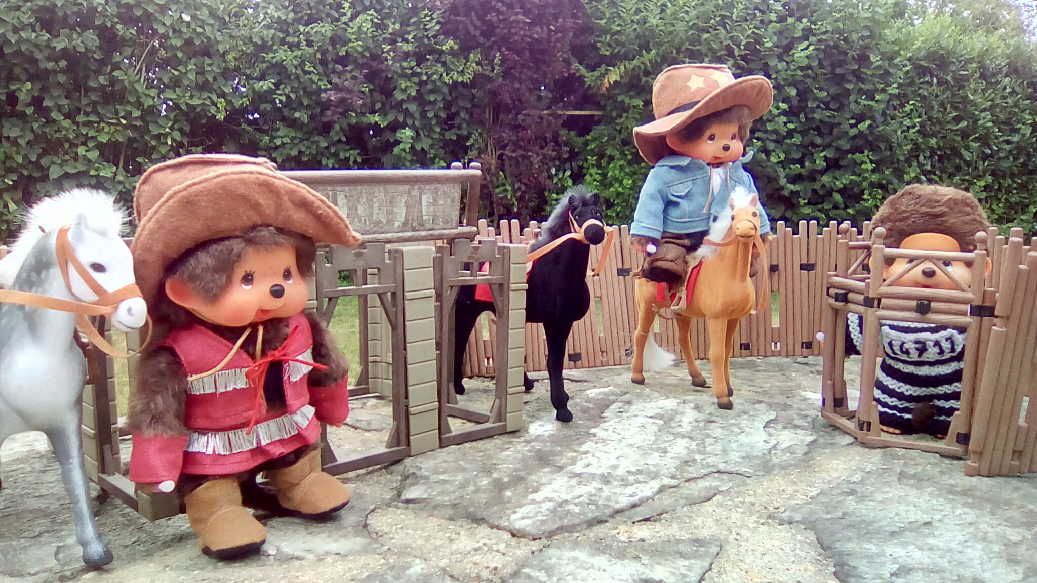 Les monchhichi cowboys du far west !