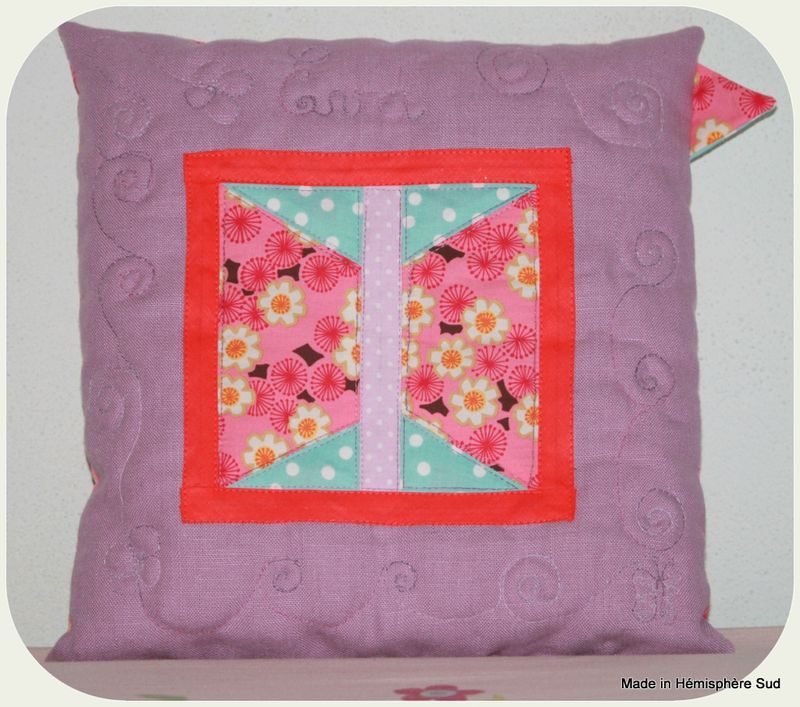 COUSSIN EVA 017