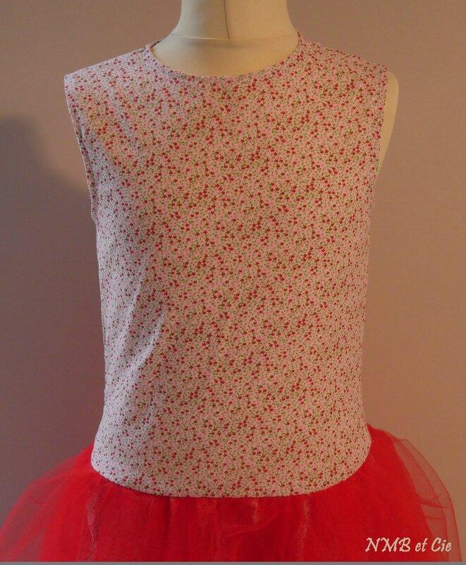 robe Gisèle rouge devant corsage