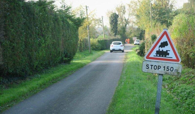 pres-de-deauville-collision-ter-voiture-l-endroit-est-dangereux