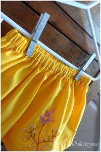 D 13 juin - jupe jaune brodée (3)