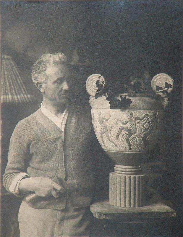 Botinelly+gravant+le+vase