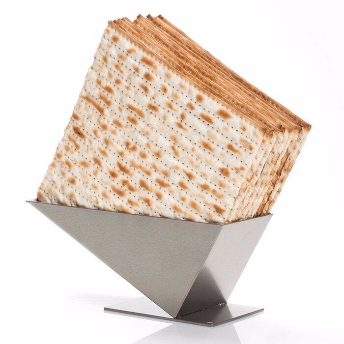 artori-pyramid-matza-holder