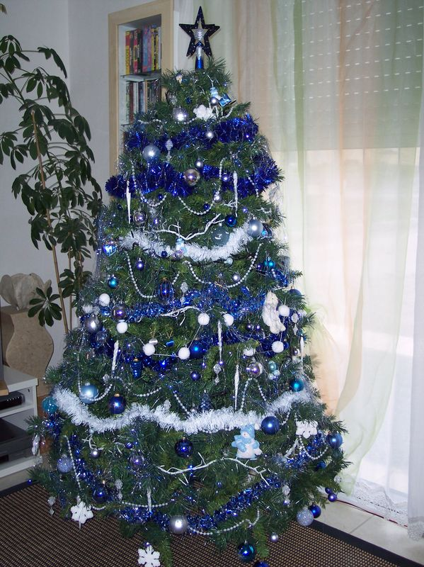 decoration sapin de noel blanc et bleu my blog. Black Bedroom Furniture Sets. Home Design Ideas