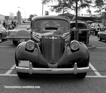 Chrysler royale coupé de 1938 (Rencard Burger King juin 2012) 07