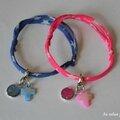 Bracelets cordons étoiles bleu et rose avec médaille ND et croix