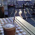 Repas ensoleillé au volkspark friedrichshain