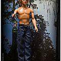 Ken en jeans, un soir dans la mangrove