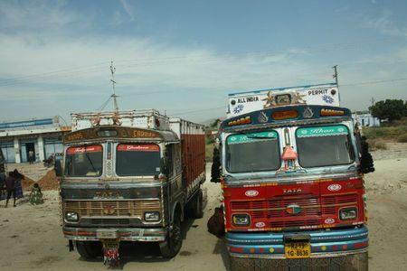 IMG_0579-camions décorés