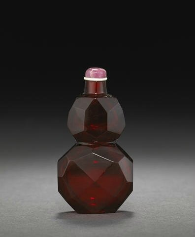A fine ruby-red faceted glass snuff bottle, Imperial, Palace Workshops, Beijing, 1730-1800