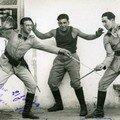 mon père à droite , Maître d'armes militaire