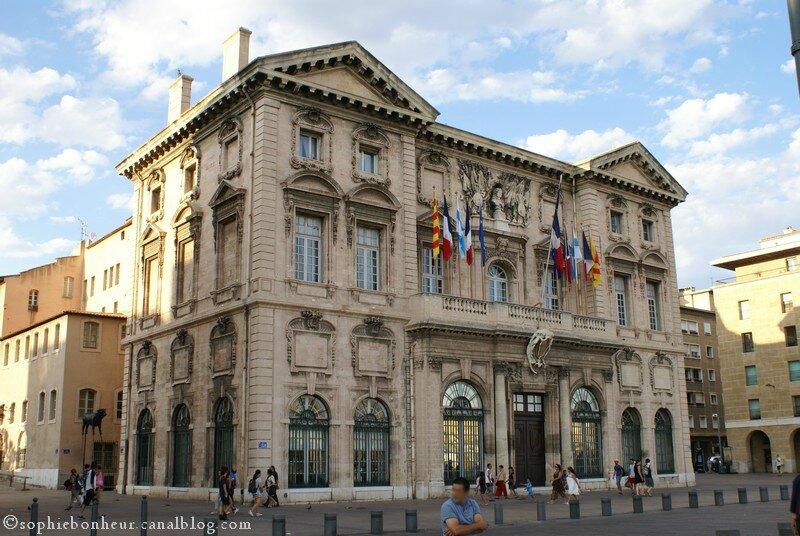 Vieux Port Hôtel de ville