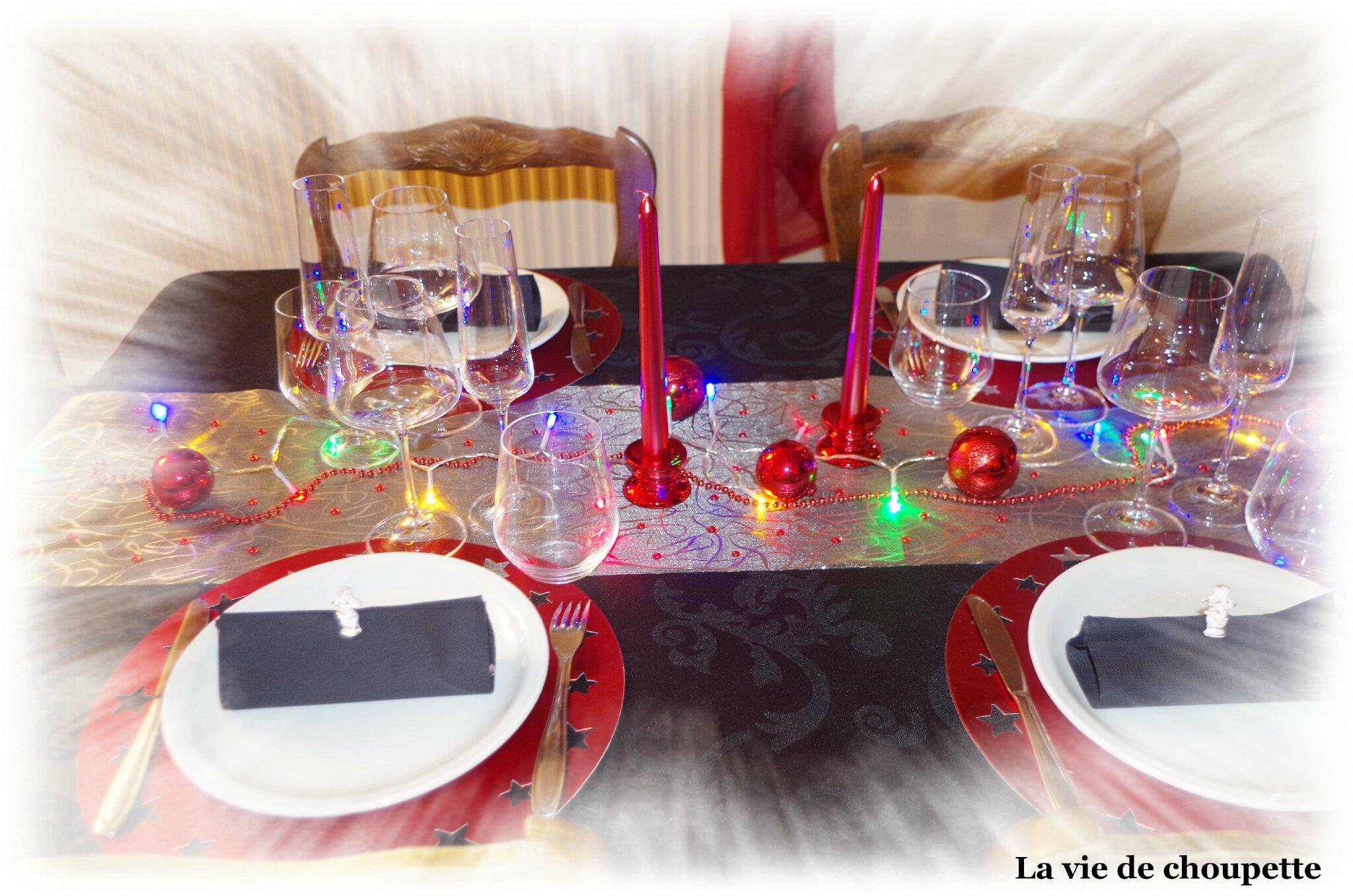 MA TABLE NOEL 2015 ROUGE ET NOIRE