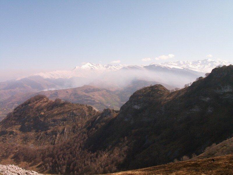 Vue au Sud du Soum Arreau 1160 m