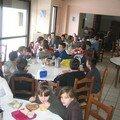 Le repas dans le réfectoire: les dames de cantine étaient super-gentilles!