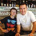 Apprentissage derrière le bar (Cerbère, mai 2013)