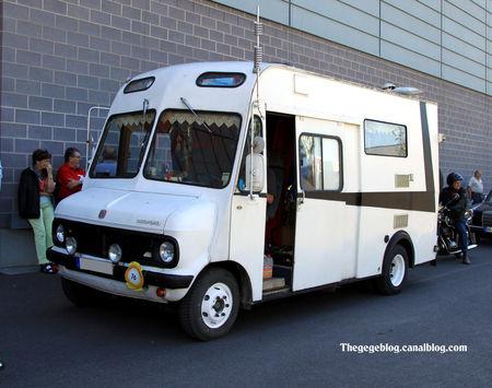Bedford_camping_car__RegioMotoClassica_2011__01
