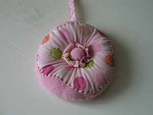 pincushion_swap_donut_et_mini_assembl__christel