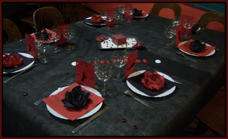 mon mariage sur le th me du rock en rouge et noir flo cr ations. Black Bedroom Furniture Sets. Home Design Ideas