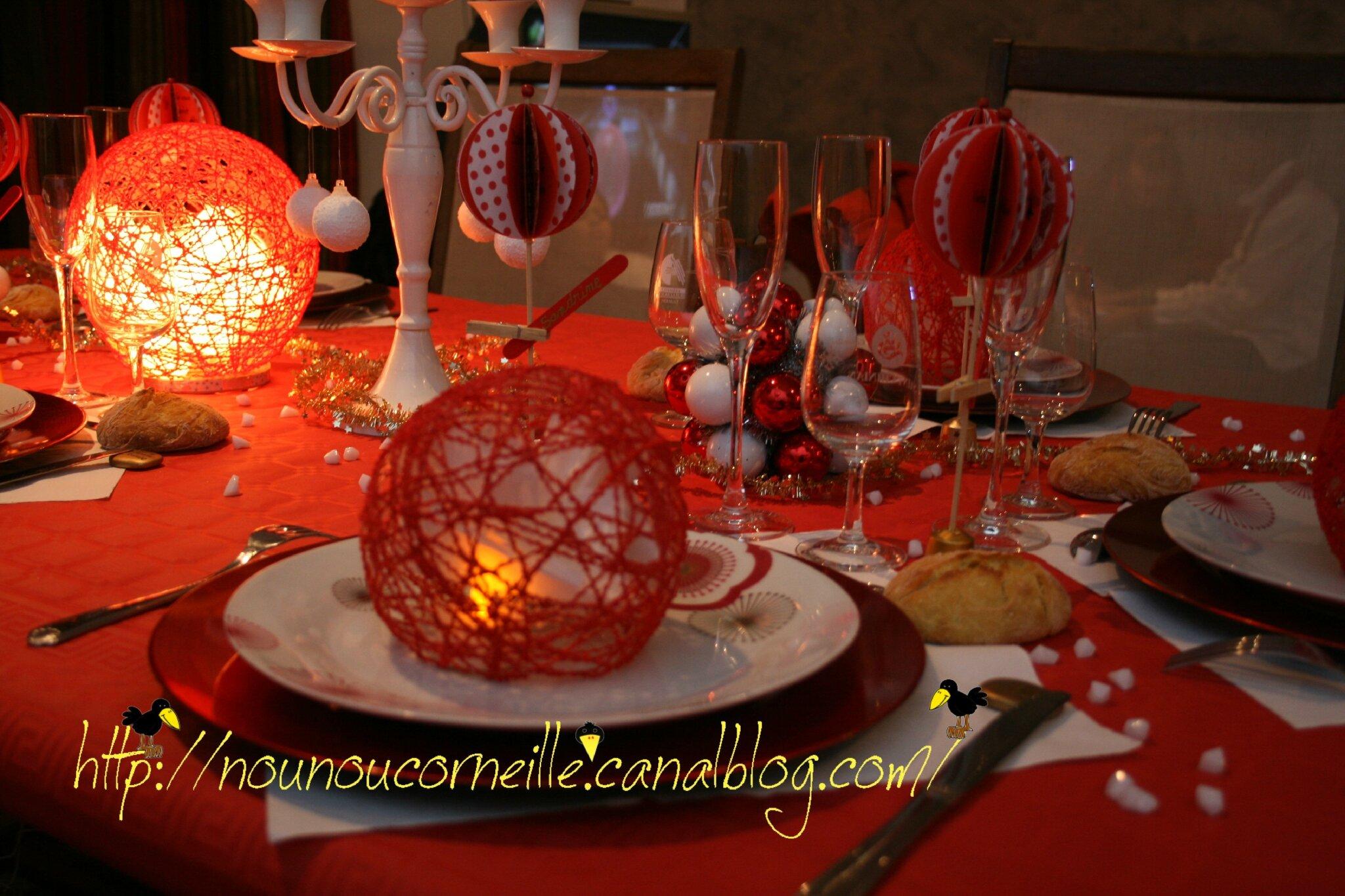 Table du nouvel an 2011 th me boule photo de un peu de for Table nouvel an