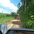 : * Route * de terre pour aller chez Piasadora
