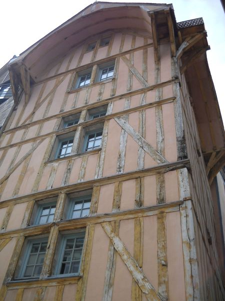 Troyes (30)