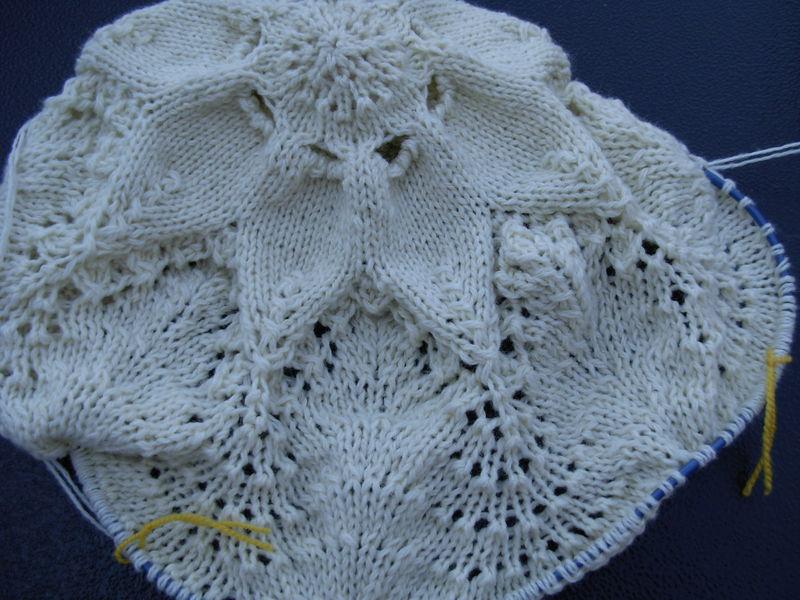 Hemolok ring blanket 002
