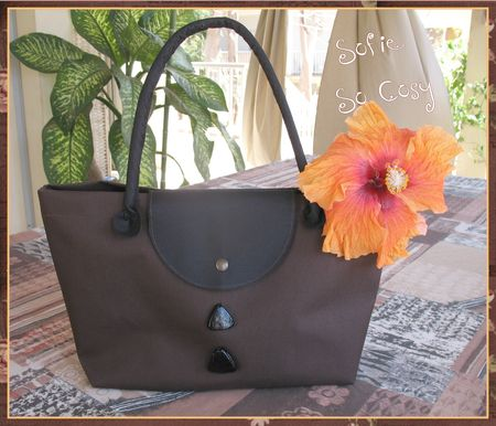 Sac_toile_noire_et_chocolat