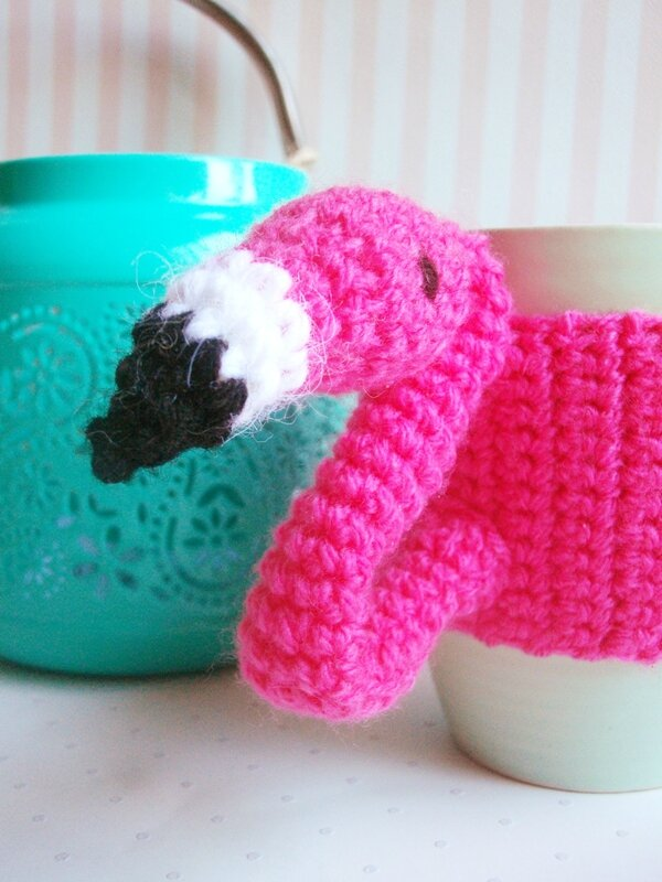 flamant-rose-crochet-mug-diy