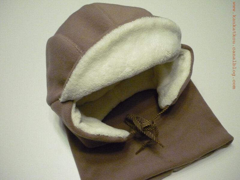 P1350636 bonnet & snood