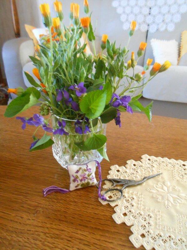 accroche-ciseaux violettes 2