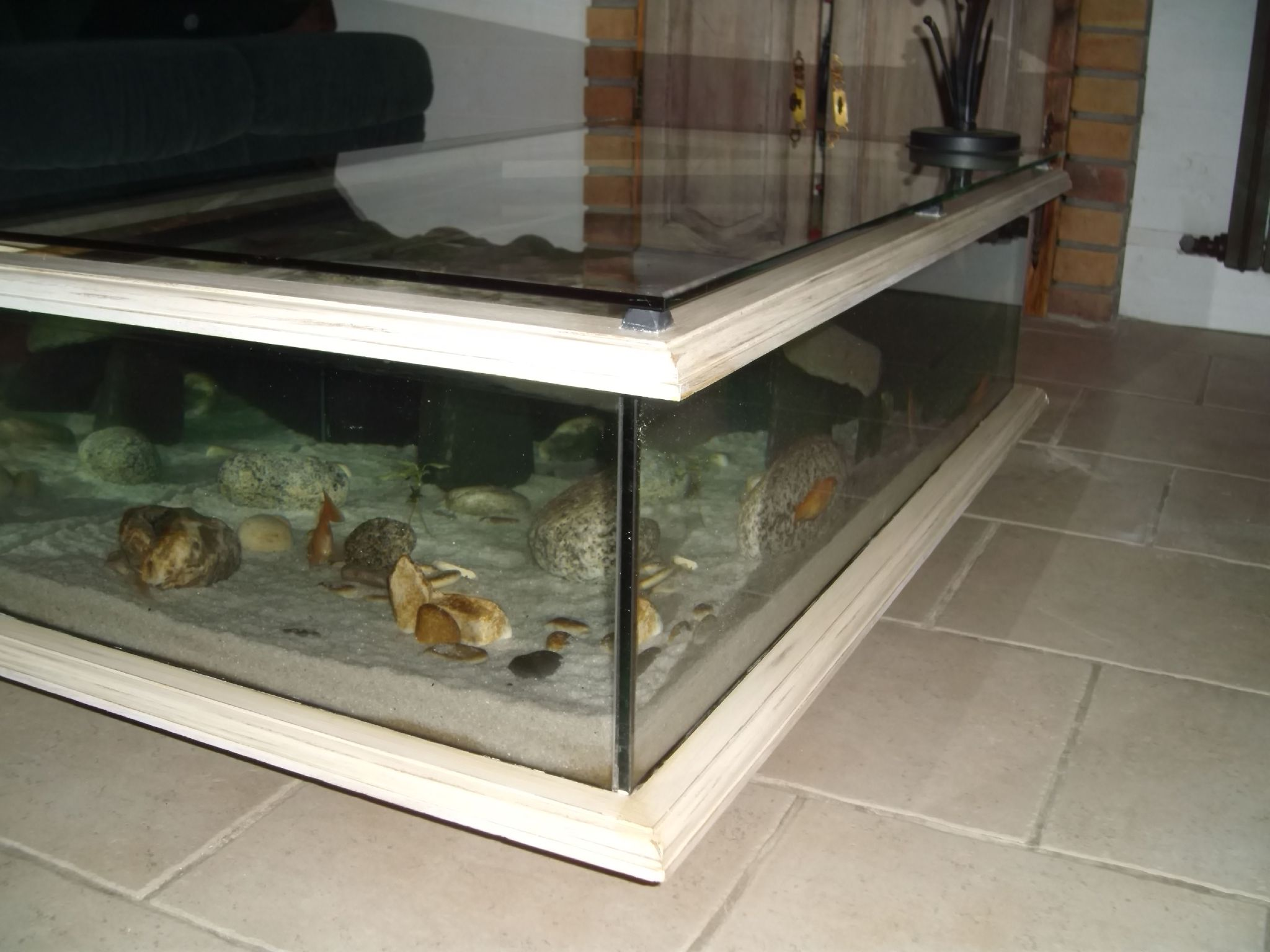 Aquarium table basse for Meuble poisson