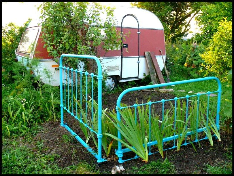 Caravane et recyclage de lit le petit caillou dans ma poche for Caravane chambre 19 soldes
