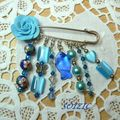 Broche, perles chinoises, swarovski, nacre et divers