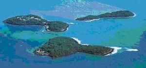 Les 'Iles du Salut' - La plus petite : L'Ile du Diable