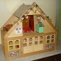 La maison de poupee de petronella à l'étage,
