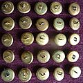 1675 - lot de boutons d'uniforme grenade diametre 21mm