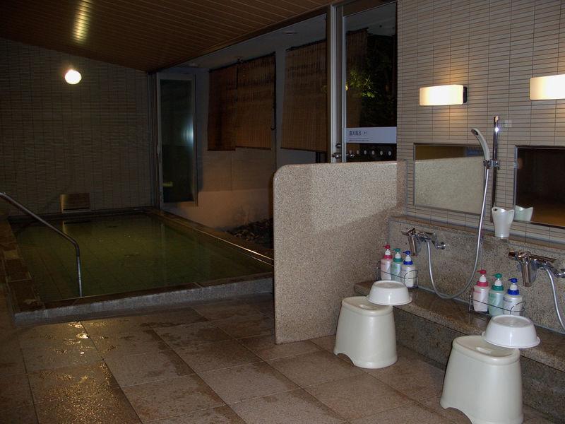 les bains japonais le japon d 39 asiemut e. Black Bedroom Furniture Sets. Home Design Ideas