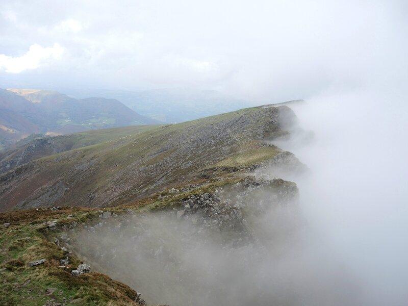 L) Bidarray, Iparla, crètes et brouillard (64)