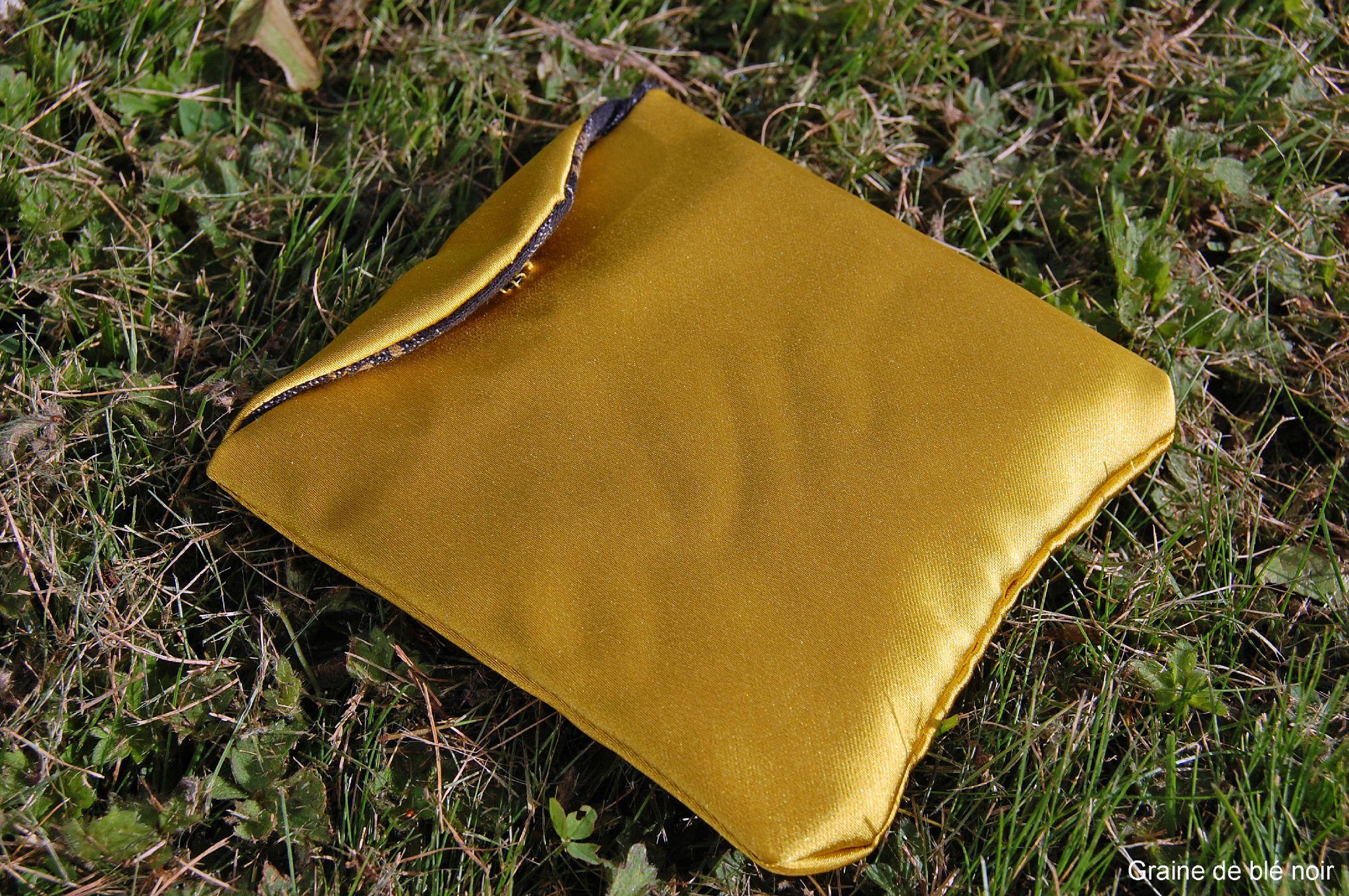 ou comment ranger dans son sac ses protections f minines graine de bl noir. Black Bedroom Furniture Sets. Home Design Ideas